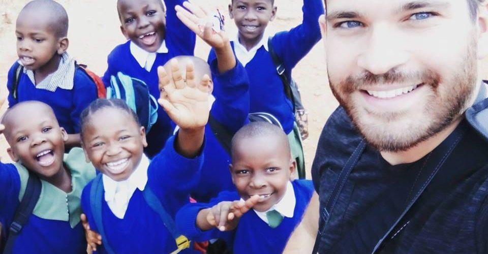 TRAVELLOUNGE – Zajedno za Afriku s Dejanom Nemčićem
